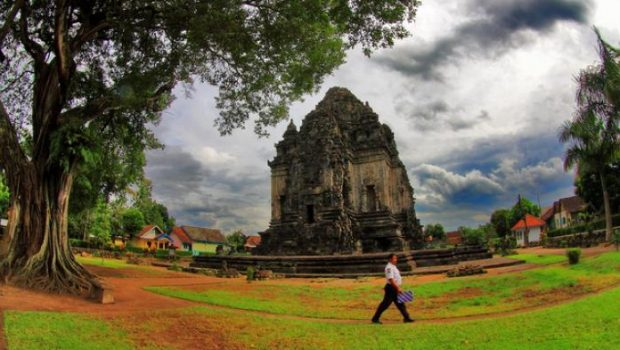 Panorama Candi Kalasan Yogyakarta