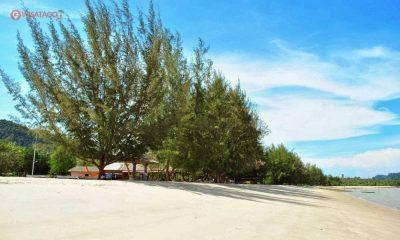 Panorama Pantai Pongkar