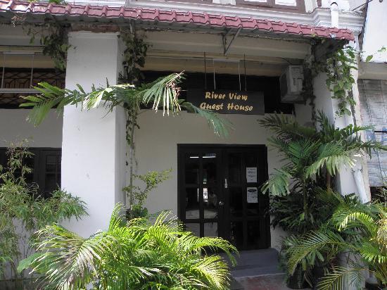 De River Guest House